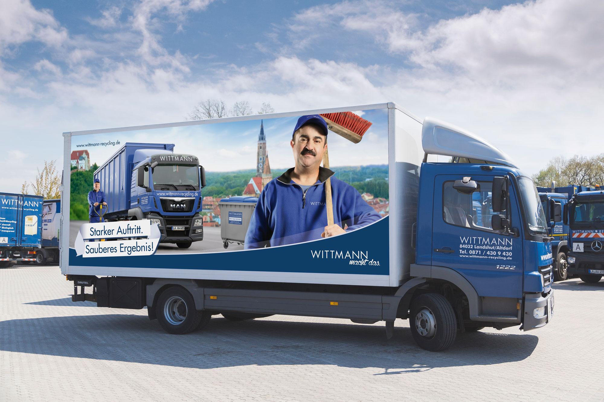 Wittmann Recycling LKW mit Aufdruck