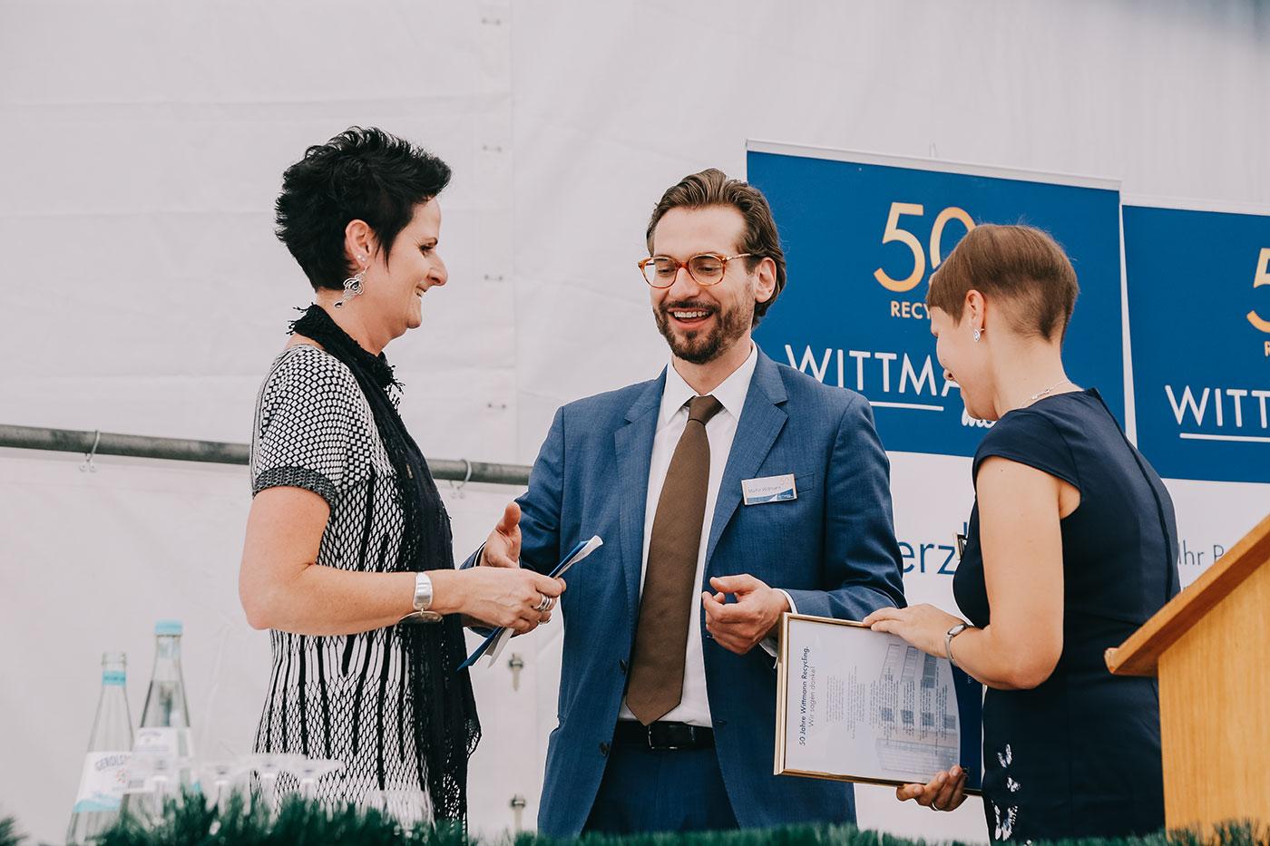 Martin Wittmann auf der Bühne des 50 Jahre Wittmann Recycling Jubiläum